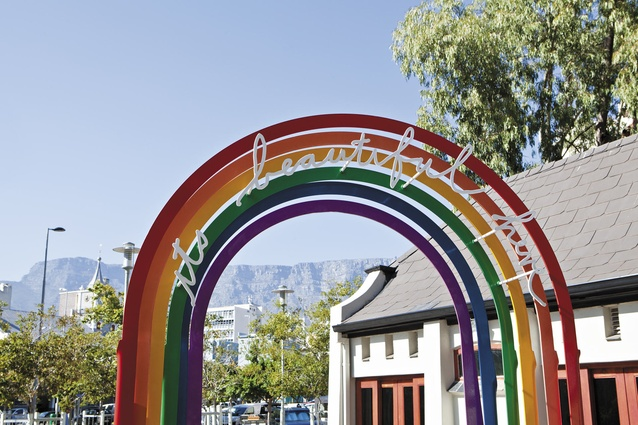 <em>It's Beautiful Here</em>, a sculpture by South African artist Heath Nash. Cape Town's iconic Table Mountain sits in the background.