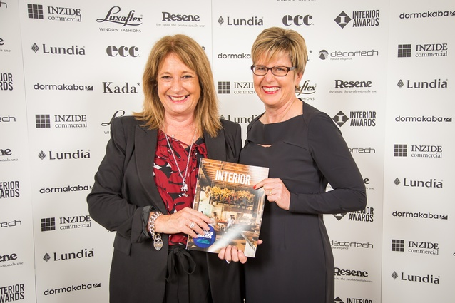 Sandy Wallace and Kim Jarman (Interior Awards sponsor Luxaflex).